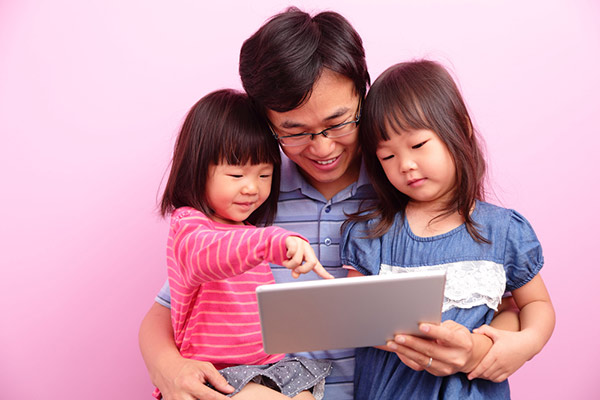 Understanding social media for child care