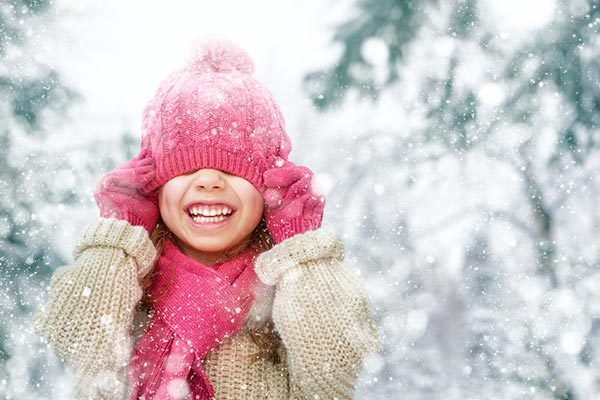 Why children need to play outside in winter!